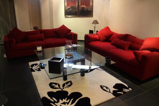 Salon Rouge Et Noir · 532140_355995841109830_892285571_n